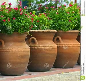 Pots à épices : three coiled clay pots stock photo image of details decorate 1093556 ~ Teatrodelosmanantiales.com Idées de Décoration