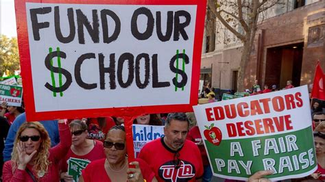 La Teacher Strike Thousands Of Los Angeles Teachers Are About To Go On Strike