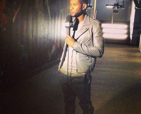 Usher does a pre-event interview teasing his VMAs ...