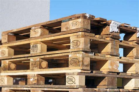 Bett Aus Einwegpaletten by In 3 Stunden Ein Bett Aus Europaletten Bauen 183 Baubeaver