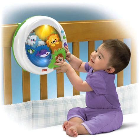 bebe tient assis tout seul veilleuse douce plan 232 te