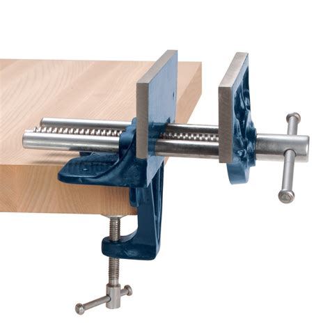 Movable Work Bench by Lessons In Woodworking