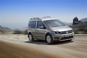 Volkswagen Caddy Versions : new vw caddy gets alltrack version with off road styling and optional awd carscoops ~ Melissatoandfro.com Idées de Décoration
