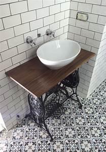 Carreaux De Ciment Salle De Bain : les carreaux de ciment habillent la salle de bain ~ Melissatoandfro.com Idées de Décoration