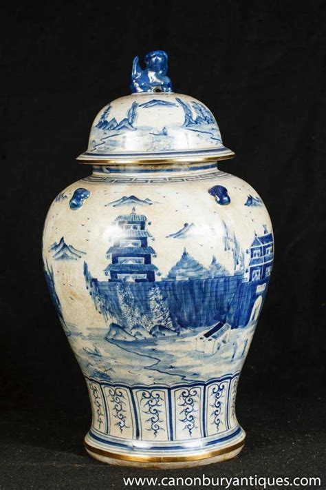 single nanking pottery ginger jar blue white chinese