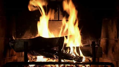 Animated Yule Log Wallpaper - beautiful wood burning fireplace yule log