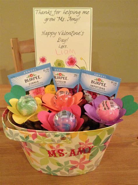 s gift for liam s preschool lollipops 726   2fca6df195963e3b109f4239af34b172