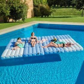 Jeux Gonflable Pour Piscine : accessoires pour piscine et jeux gonflables zendart design ~ Dailycaller-alerts.com Idées de Décoration