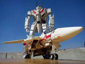 Robotech Live Action – Get The Skinny On The New Robotech ...  Robotech
