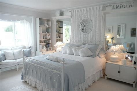 16 Beautiful And Elegant White Bedroom Furniture Ideas