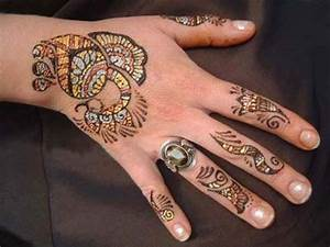 Hand Tattoos For Girls-Henna Mehndi Tattoo Designs