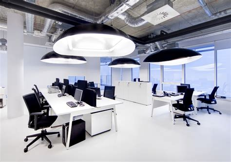 mobilier de bureau toulouse bureau en open space 224 montpellier pour call center bureaux am 233 nagements m 233 diterran 233 e