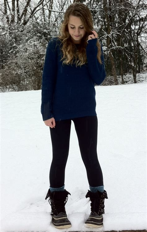 Favorite winter outfit! Comfy knit sweater leggings warm socks and sorel snow boots | Clothes ...