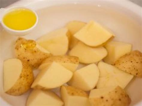 how to boil potatoes how to boil potatoes in a microwave oven leaftv