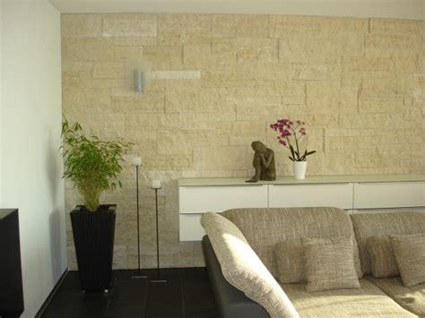 Wohnzimmer Mit Natursteinwand