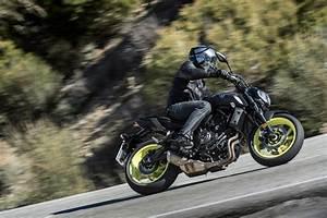 Essai Yamaha Mt 07 : essai yamaha mt 07 2018 repartie pour un tr ne motostation ~ Medecine-chirurgie-esthetiques.com Avis de Voitures