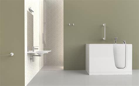 accessoires baignoire pour personnes agees accessoires baignoire pour personnes agees 28 images d 233 coupe de votre baignoire et