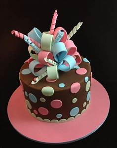 Fondant Cake Decorating Tips & Hints For Beginners