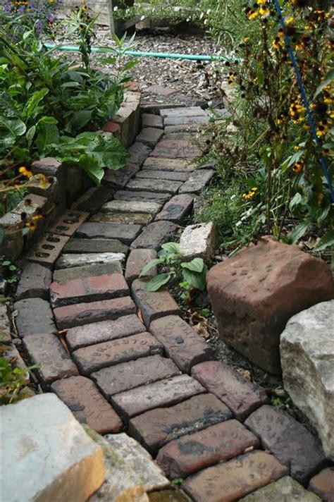 cottage design brick pathway picmia