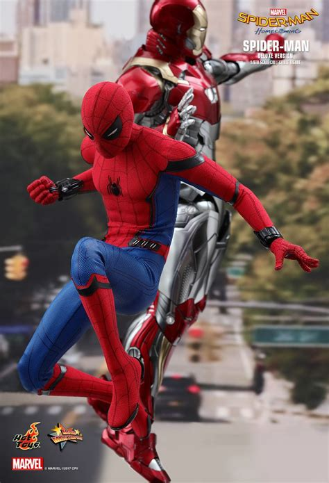 hot toys spider man homecoming spider man deluxe
