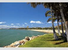 Holiday & relax by the Strand beach Townsville