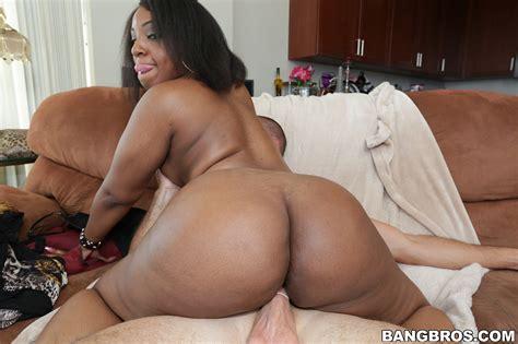 Ebony Milf Down On A Stiff White Boner Photos Layla