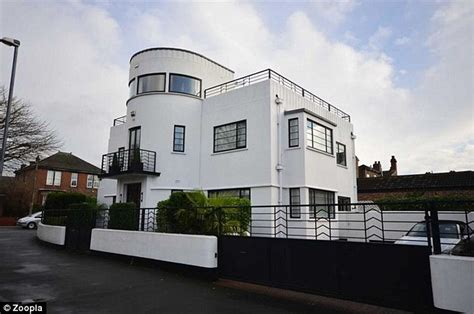 britains top   popular homes  sale  zoopla