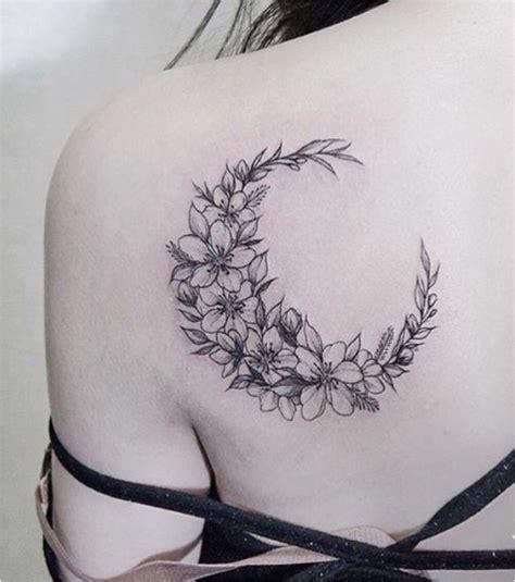 tatouage clavicule femme fleur tatouage femme une lune en