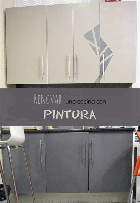 como renovar los muebles de la cocina usando solo pintura