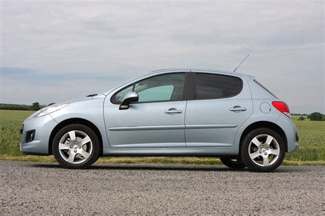 Peugeot 207 Review by Peugeot 207 Hatchback Review 2006 2012 Parkers