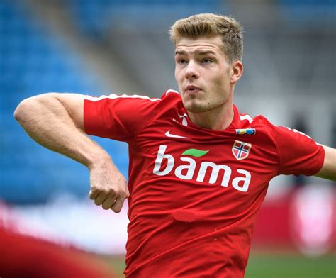 Real Madrid want 24-year-old on-loan Crystal Palace ace ...