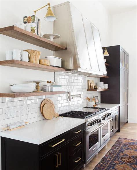 tiling your kitchen 1000 ideas about white subway tiles on subway 2827