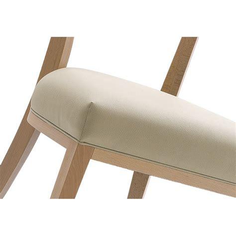 chaise en bois pour h 244 tel restaurant assise et dossier garnis habillage tissu ou cuir