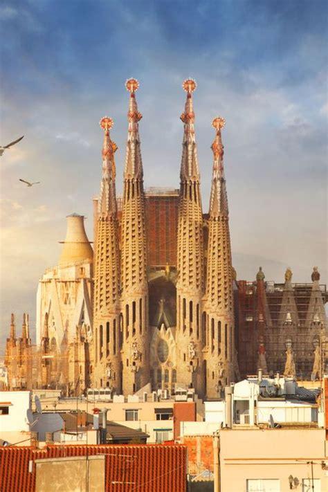 antoni gaudi architecture  barcelona town country