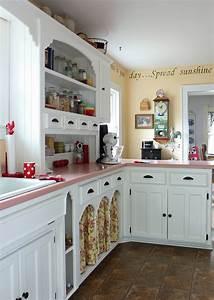 Catherine, Holman, Folk, Art, Living, With, Pink, Kitchen, Countertops