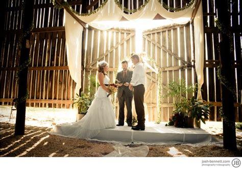 Barn Wedding Ceremony : Healey Barn Wedding Photos