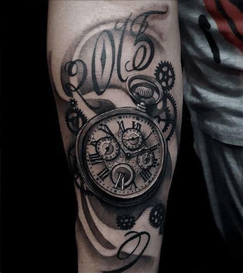 tatouage horloge les aiguilles sous la peau tattoome