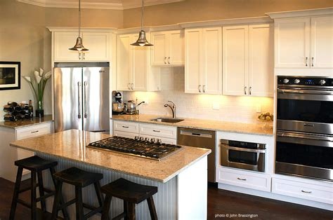 builders warehouse kitchen cabinets eastman st kitchen cabinets from builders surplus 4966