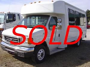 Ford E350 2006 Goshen Bus Used
