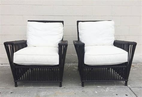Wicker Or Bamboo Patio Chairs Upholstered In White Canvas At 1stdibs Tables With Chairs Single Person Hammock Chair Kitchen Covers Real Leather Faux Fur Bauhaus And Ottoman Antilop High Ameriglide Lift