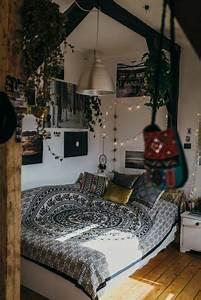 Guirlande Deco Chambre : 1001 d co uniques pour cr er une chambre hippie ~ Teatrodelosmanantiales.com Idées de Décoration