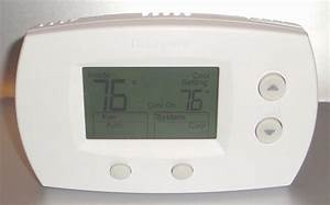 Honeywell Electronic Thermostat Th5220d1003