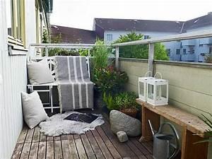 Balkongestaltung Kleiner Balkon : balkonideen die ihnen inspirierende gestaltungsideen geben ~ Frokenaadalensverden.com Haus und Dekorationen