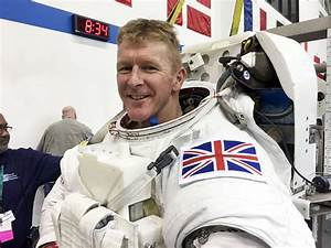 First British astronaut Tim Peake reaches the ...