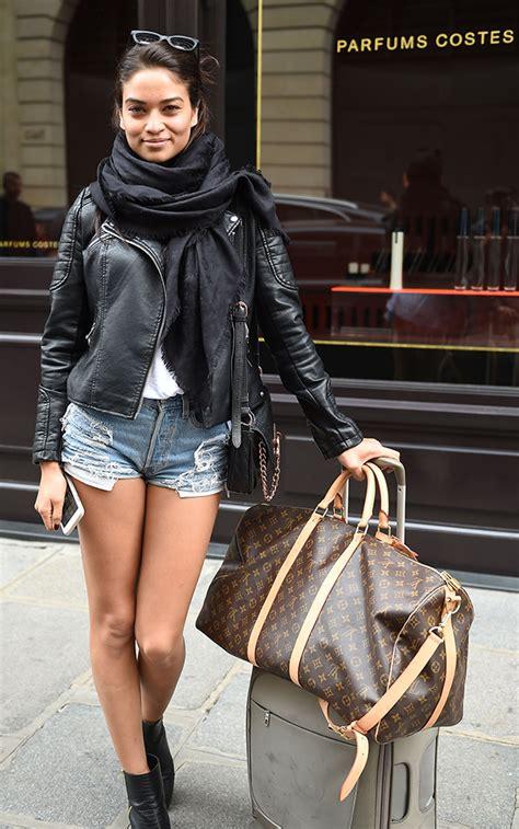 bags   celebrities  carried   paris fashion week spring  purseblog
