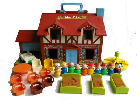 In Box Fisher Price Little People 952 Tudor House Fisher