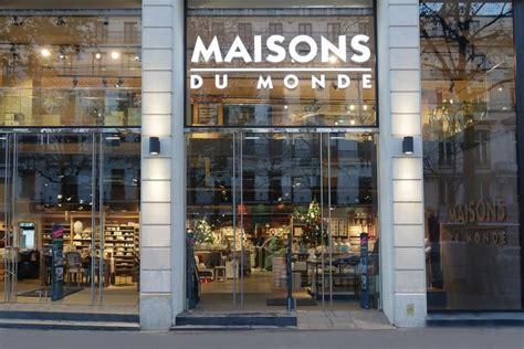 lojas em paris  quem procura presentes autenticos