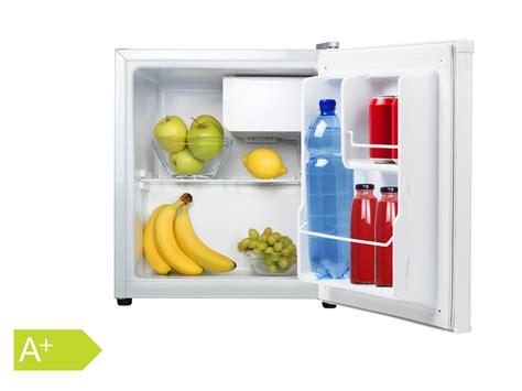 mini kühlschrank mit gefrierfach kleiner mini k 252 hlschrank freistehend 45l mit 5l gefrierfach cing minibar kaufen bei