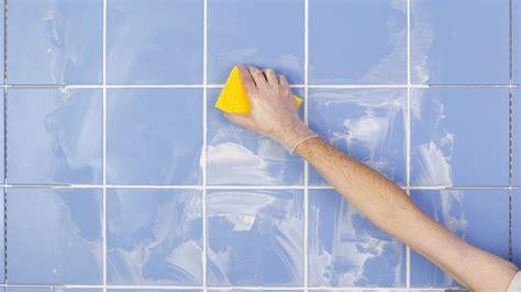 revamp  bathroom   grouting tiles bt