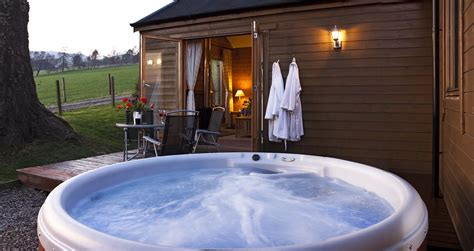 cottages in bath with tub the cabin experience the most log cabin in